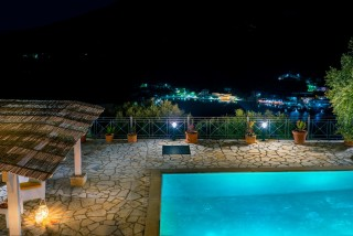villa emma arriva night view