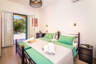 villa emma arriva single beds